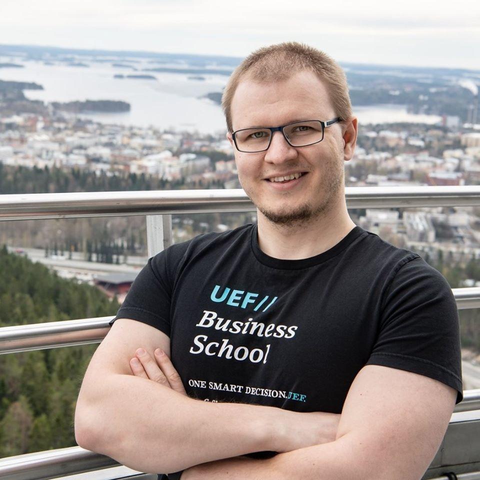 Itä-Suomen yliopiston digitaalisen matkailuliiketoiminnan tutkimuspäällikkö Juho Pesonen