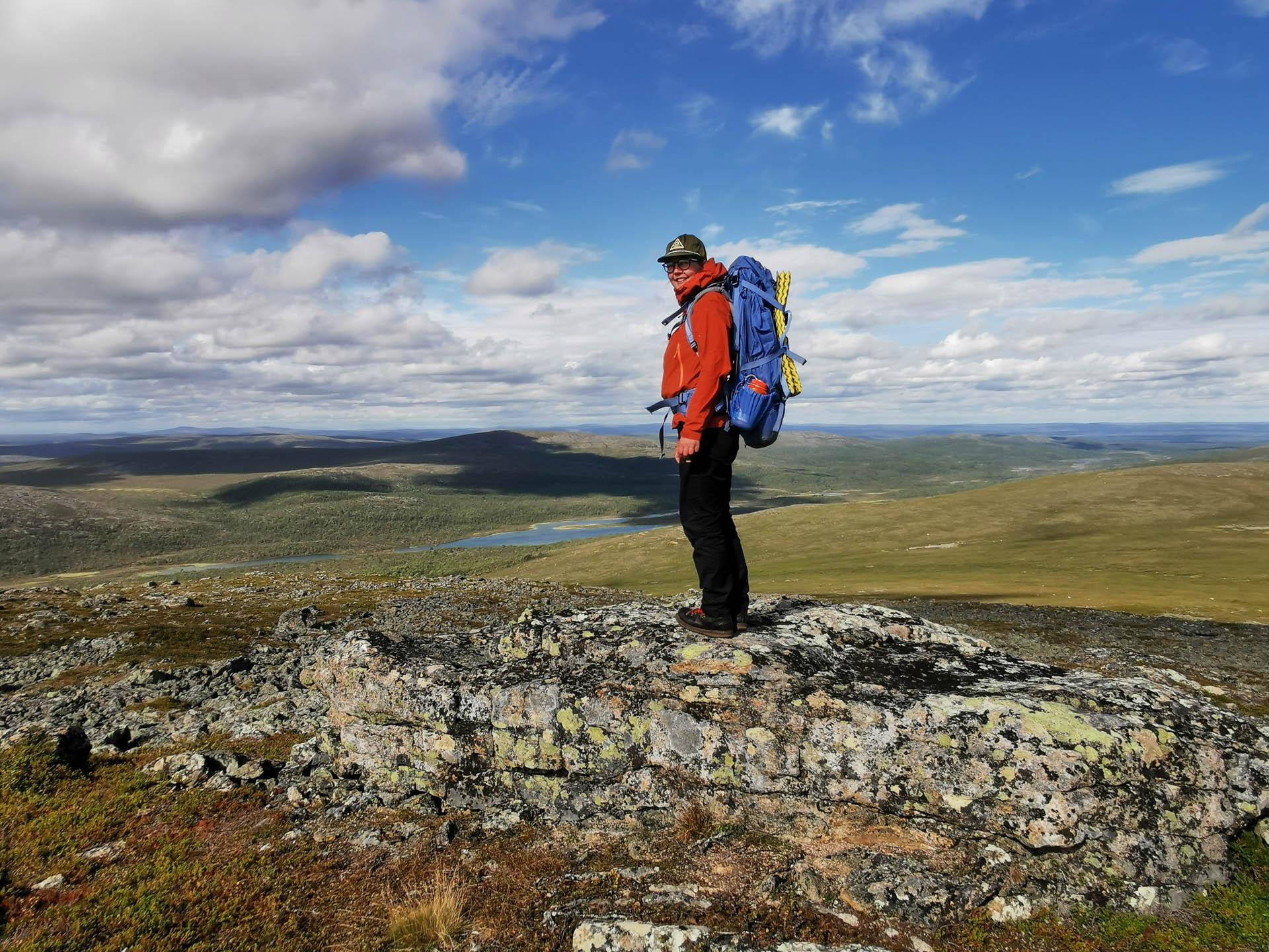 Vastuullisen retkeilyn puolesta puhuvan Minna Jakosuon ja hänen miehensä Vesan Erätaival-yritys tuottaa luontoelämyksiä ja ylläpitää kesäisin Heretyn kämppäkahvilaa Isojärven kansallispuistossa.