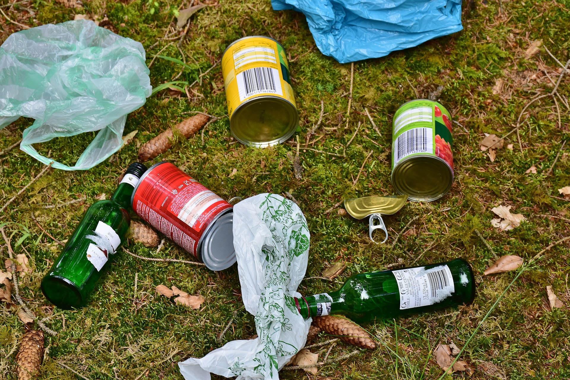Vastuullinen retkeilijä kantaa omat roskansa, mielellään vähän enemmänkin