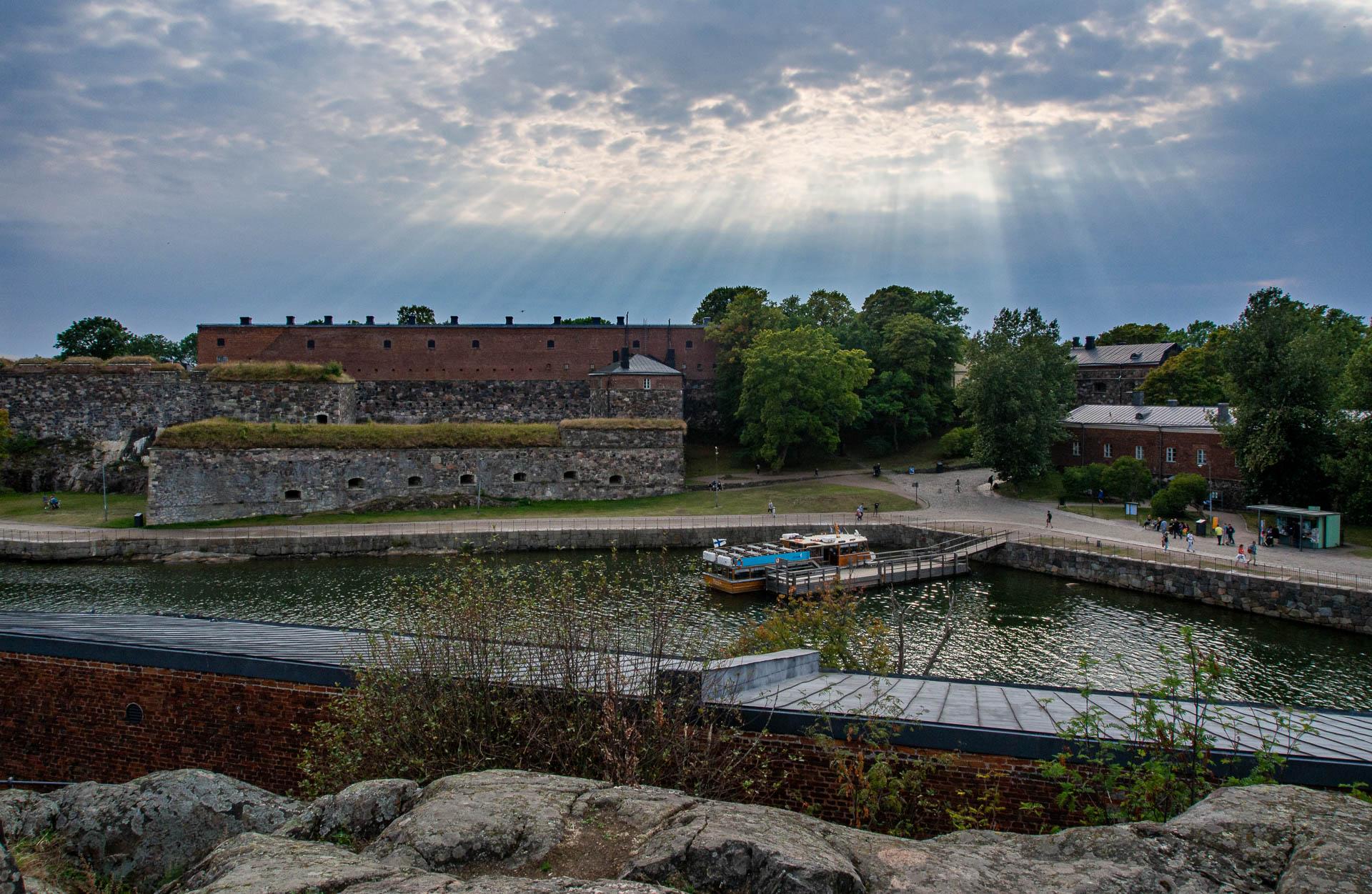 Suomenlinna on poikkeuksellinen asuinpaikka